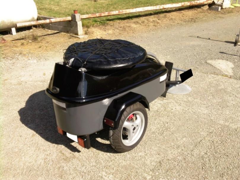 remorque bagagere pour moto bande transporteuse caoutchouc. Black Bedroom Furniture Sets. Home Design Ideas